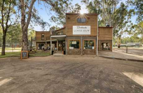 Kui Parks, Bushland on the Murray Holiday Park, Office