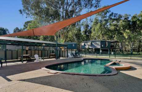 Kui Parks, Bushland on the Murray Holiday Park, Pool