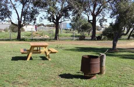 Kui Parks, Katanning Caravan Park, Sites