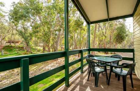 Kui Parks, Melrose Caravan & Tourist Park, Deluxe Cabin