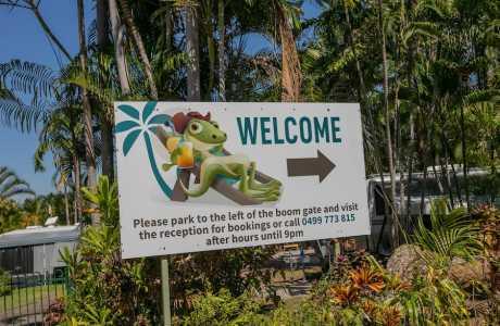 Kui Parks, Oasis Tourist Park, Entrance