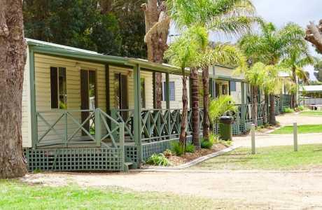 Kui Parks, Pink Lake Tourist Park, Cabin, Esperance